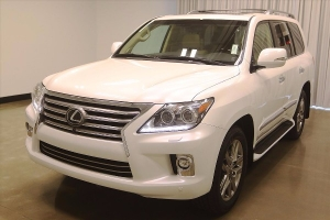 Lexus LX 570 2015 for sale WhatsApp.+2349077733480